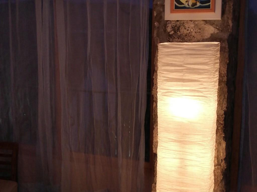 AAA Terraza con lampara